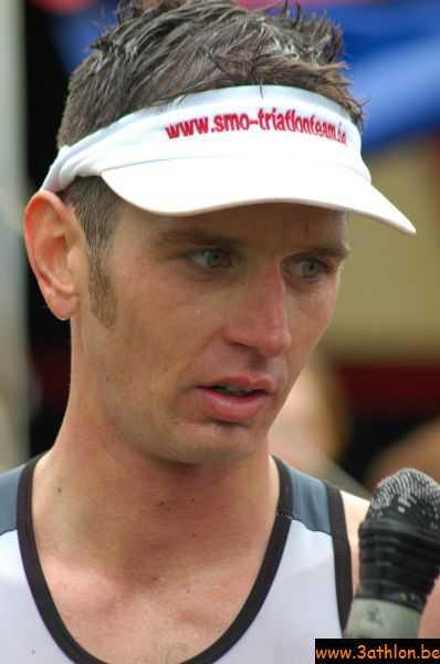 Michael Dewilde en Inge Vancauwenberghe winnen triathlon St Laureins