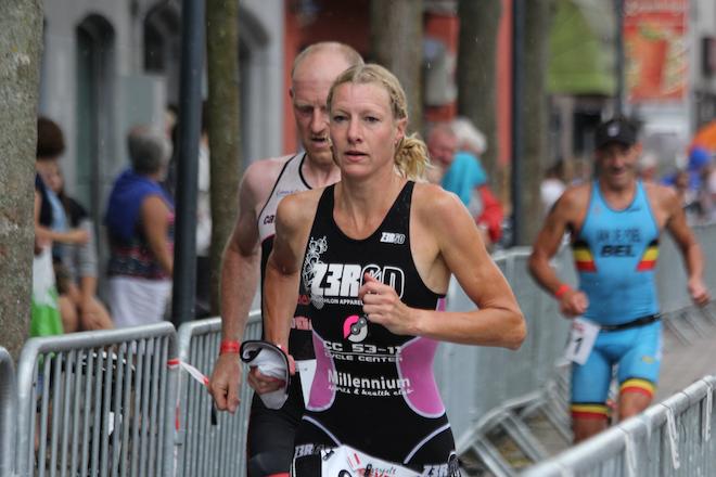 Sandra Wassink-Hitzert loopt naar de 2de plaats in Lommel (Foto: Katrien Decru)