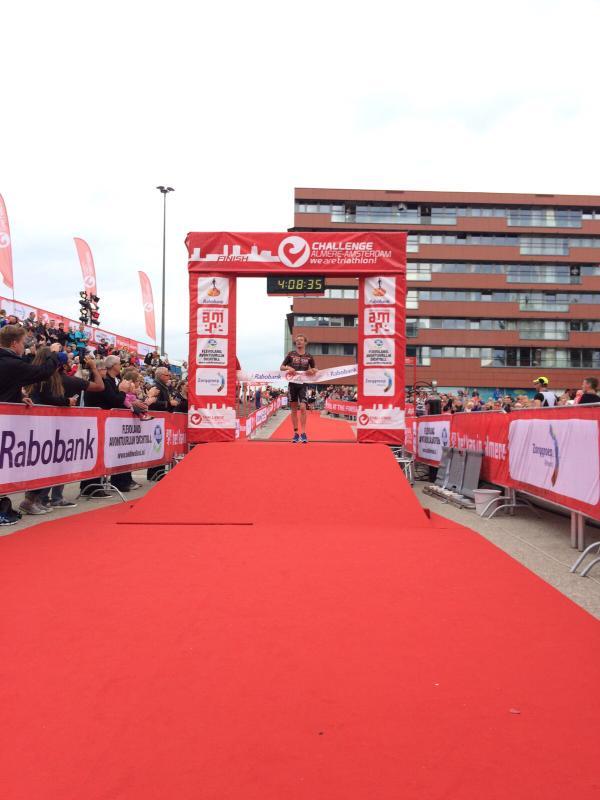 Severin Almere winst