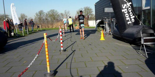 Belgen Baeyens en Lormans winnen opener zwemloopcircuit