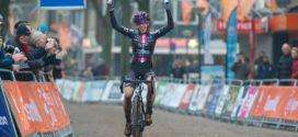 Shirin kampioene; bekende sporters Marc, Erben en Daniële winnen in du/triathlons  – WTJ 692