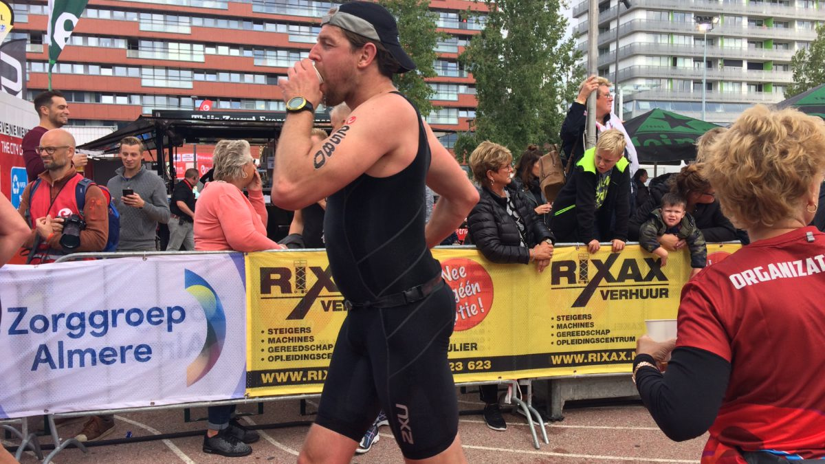 Challenge Almere-Amsterdam in volle gang [VIDEO]