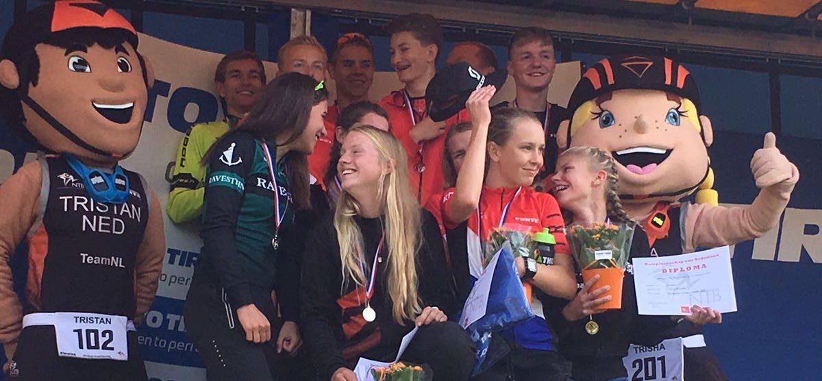 Luna de Bruin, Niels van Lanen, Marije Hijman en Joey van 't Verlaat pakken Nederlandse titel duathlon [VIDEO]
