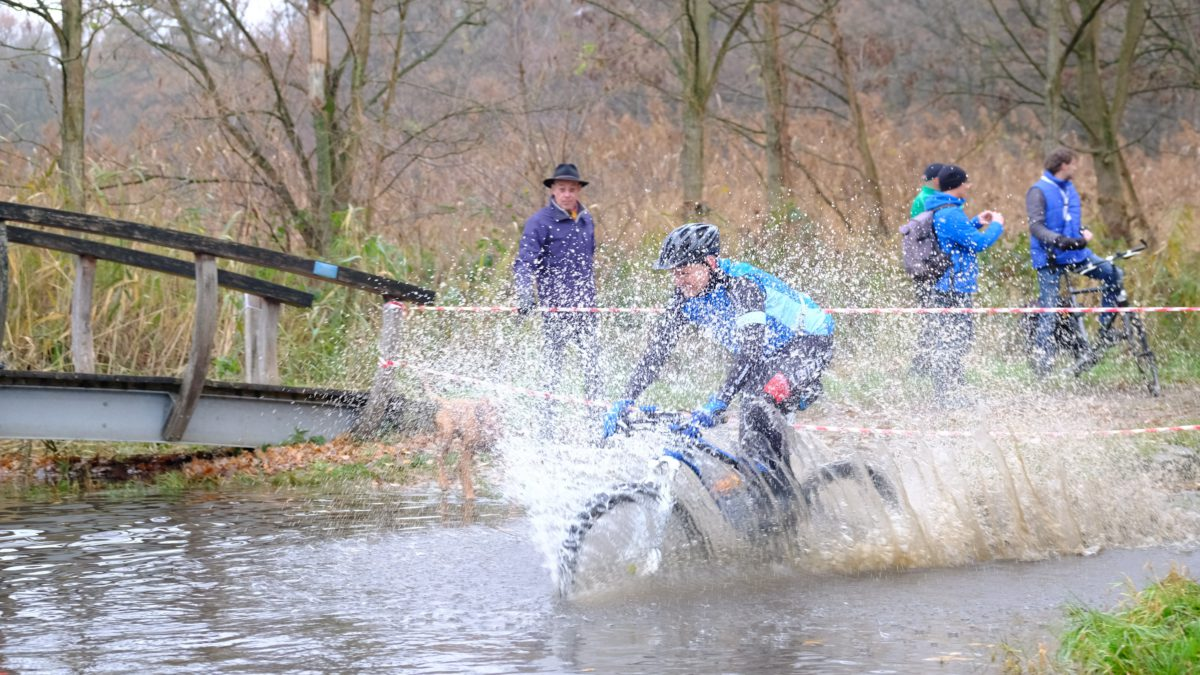 Daan Schouten na winst Run Bike Run Haaksbergen: 'Hoe sterker het veld, hoe mooier het is om te winnen'