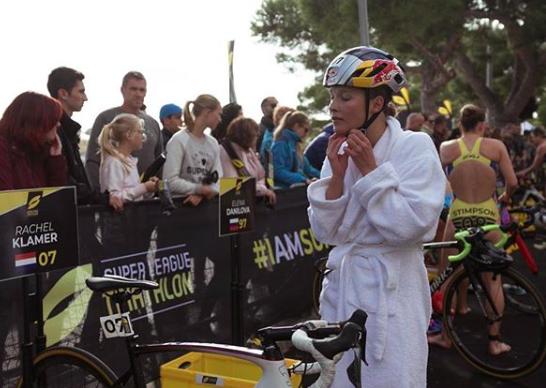 Rachel Klamer toont opnieuw bloedvorm: vierde tijdens Super League Triathlon Mallorca