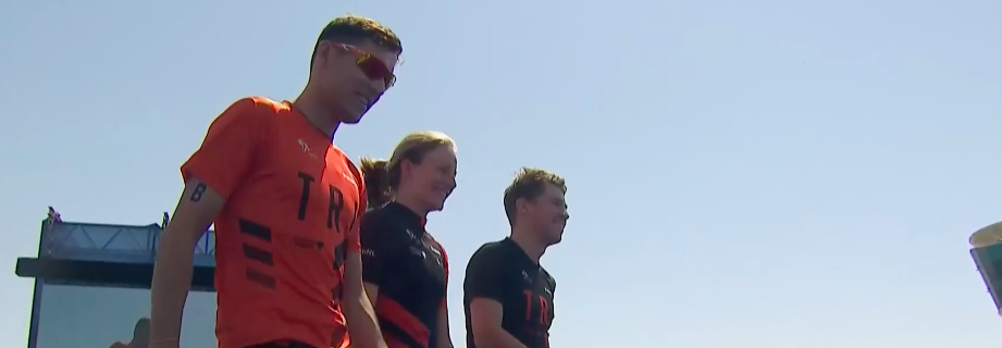 Nederland trapt Mixed Team Relay seizoen af met negende plaats in Abu Dhabi