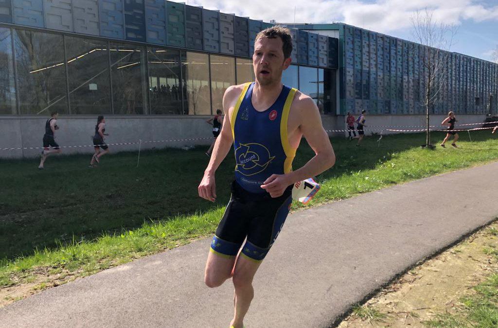 Vincent Böhm en Silke de Wolde winnen zwemloop Amersfoort en daarmee startplek WK Aquathlon