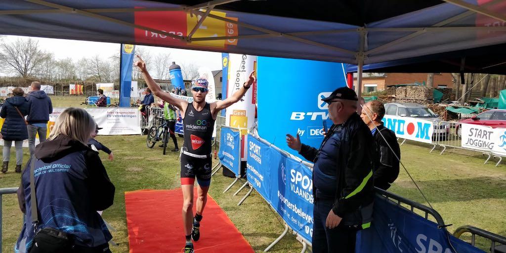 Belgen Vandecasteele en Lejeune kloppen Nederlandse toppers in Run Bike Run Geel