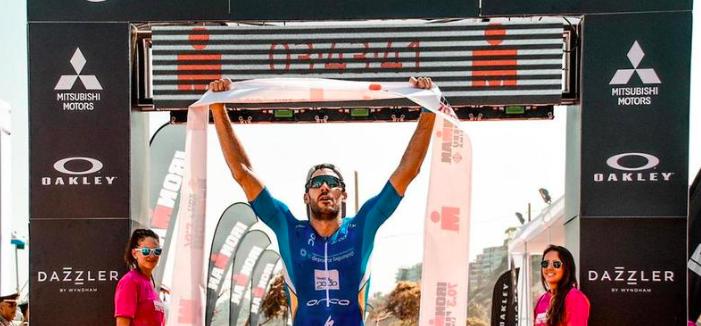 Vincente Hernandez Cabrera en Lauren Goss triomferen in Ironman 70.3 Peru