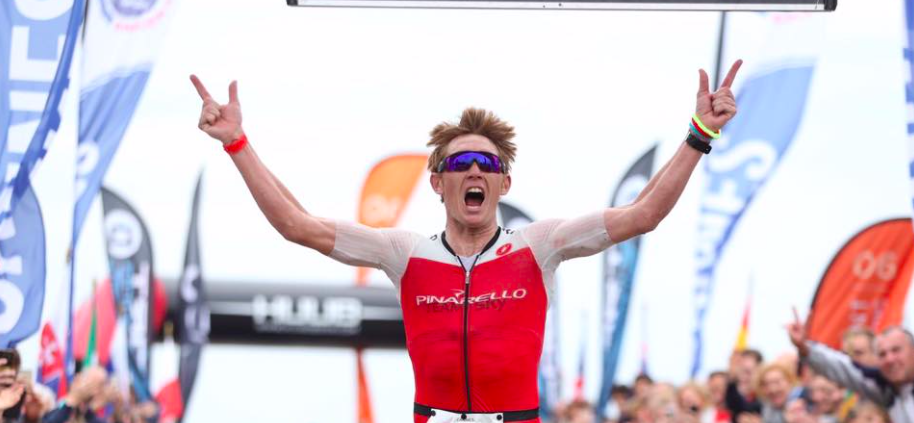 Cameron Wurf en Camilla Pedersen triomferen in Cannes International Triathlon
