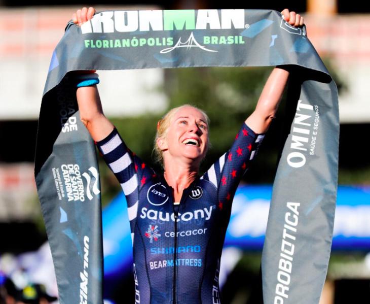 Andrew Potts en Sarah Piampiano pakken overwinning Ironman Florianópolis