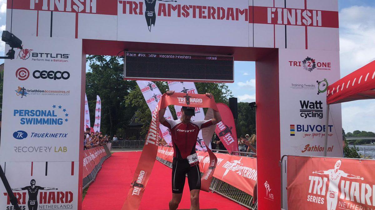 Sven Strijk wint Middle Distance TRI AMSTERDAM, eveneens zege voor debutante Marlene de Boer
