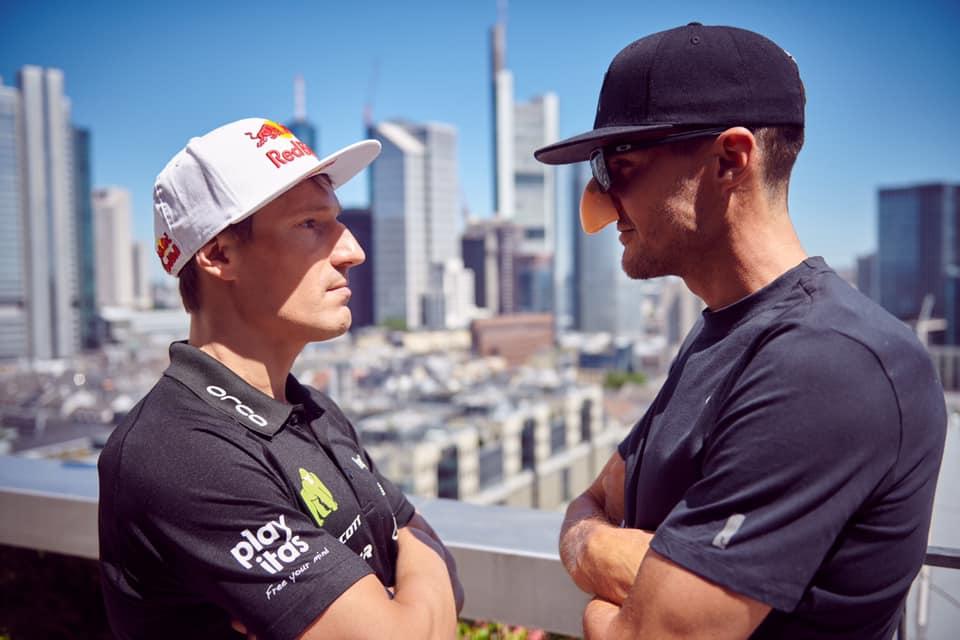 Grappig: Frodeno verkleedt zich als Kienle voor interview in aanloop naar Ironman Frankfurt