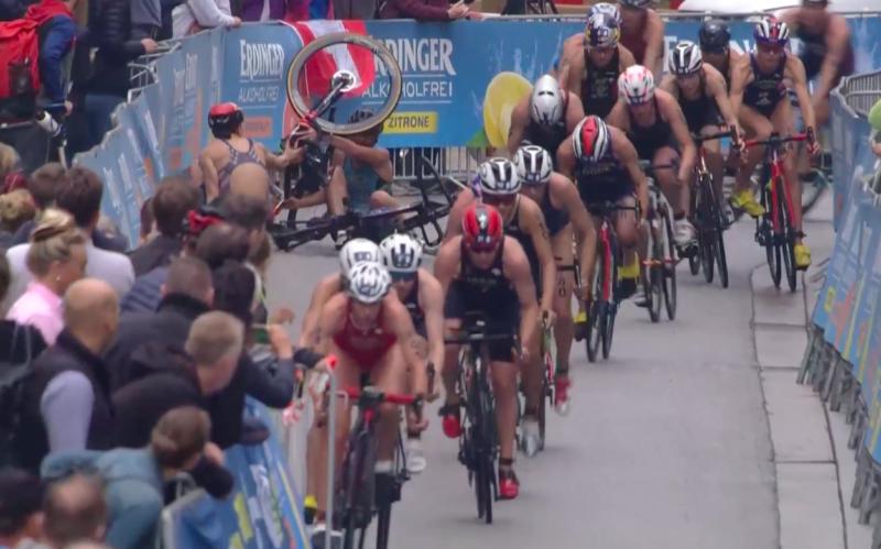 Favoriet Zaferes kwam ten val halverwege het fietsen. (Foto: 3athlon.nl)