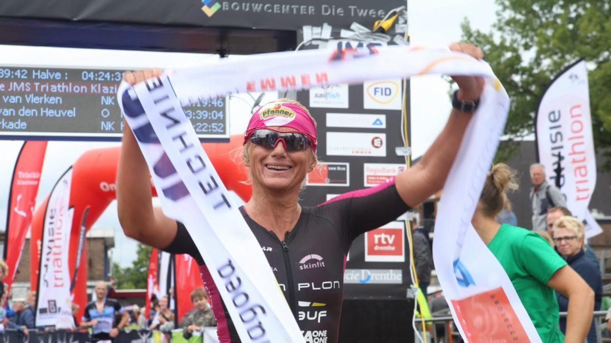 Sven Strijk en Yvonne van Vlerken pakken Nederlandse titel Middle Distance Klazienaveen: