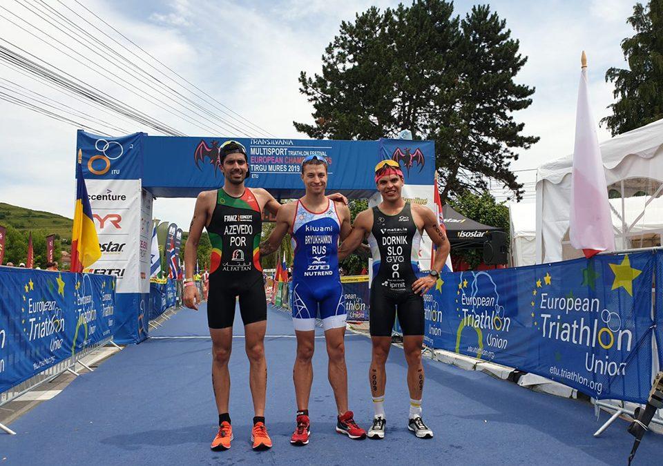 Andrey Bryukhankov en Katrina Rye Europees Kampioen ETU Middle Distance Roemenië