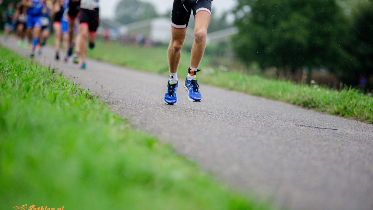 Jeroen Gijzen en Esther Strijker zegevieren bij Cross Run Bike Run Wierden