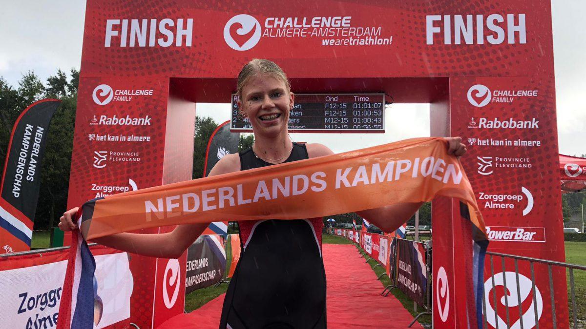 Hugo Overmeen en Selina Franken pakken Nederlandse titels Jeugd Cross Triathlon
