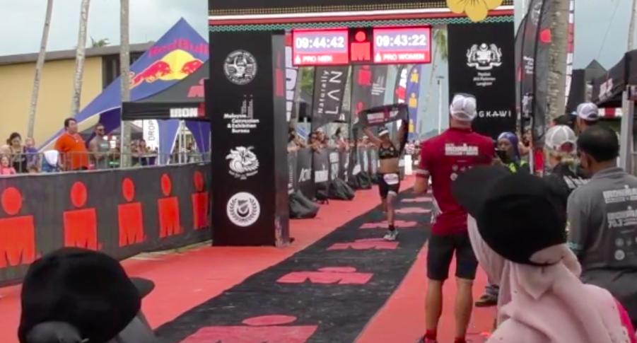 Tessa Kortekaas wint Ironman Malaysia en sleept zo meteen ticket voor Hawaii binnen