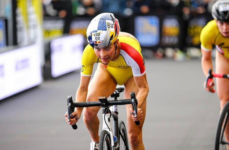 In beeld gevangen: bronzen race Rachel Klamer SLT Jersey