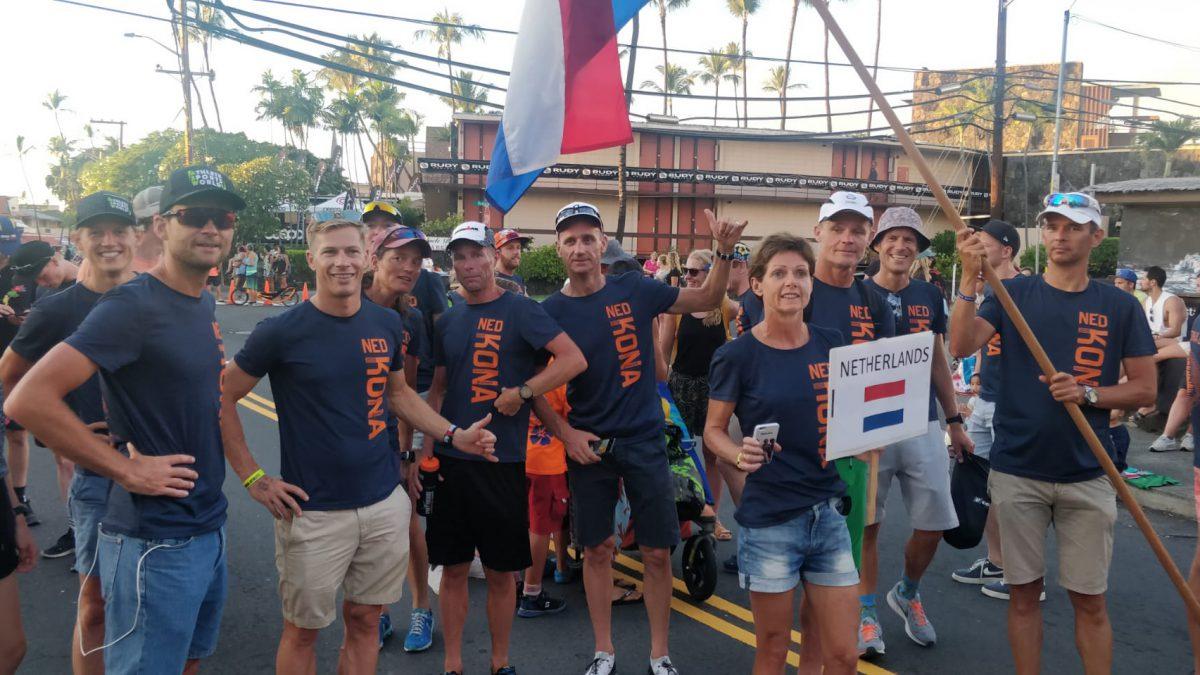 In beeld gevangen: Nederland op landenparade Ironman Hawaii