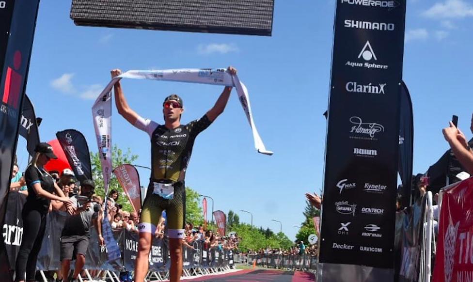 Rodolphe Von Berg en Chelsea Sodaro zegevieren tijdens Ironman 70.3 Buenos Aires