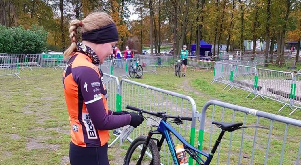 Wielrenster Anna van der Breggen wint Run Bike Run Oldebroek, Maarten Vierhout eerste man