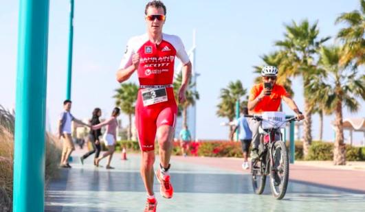 Alistair Brownlee wint Ironman Western Australia in race record