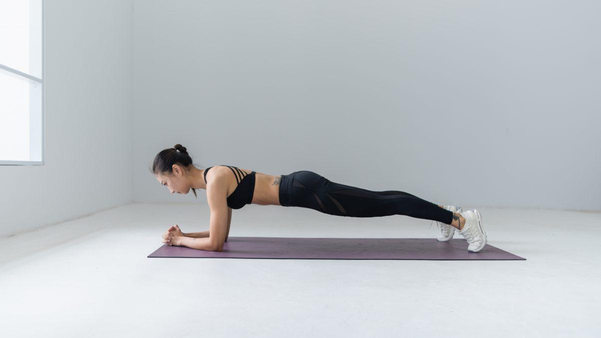 Krachtoefening: je core stability verbeteren met de 'Rolling Plank'