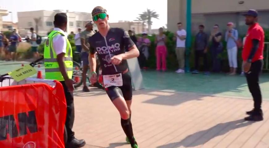 In beeld gevangen: Ironman 70.3 Dubai