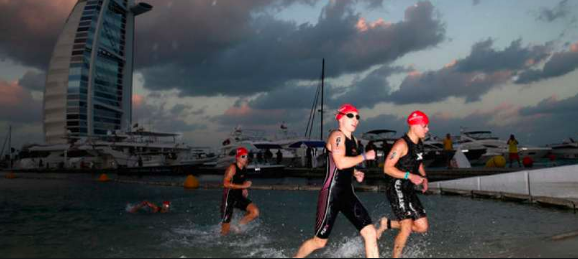 Ironman slordig in Dubai, Age Groupers boos