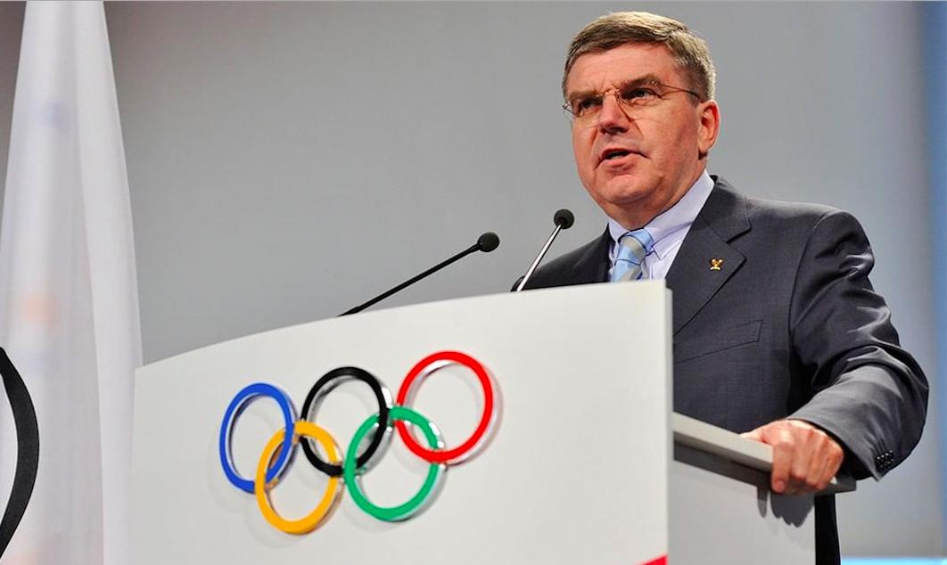 Bach ontkent dat IOC te lang twijfelde over uitstel Spelen: 'Je kunt niet afgaan op intuïtie'