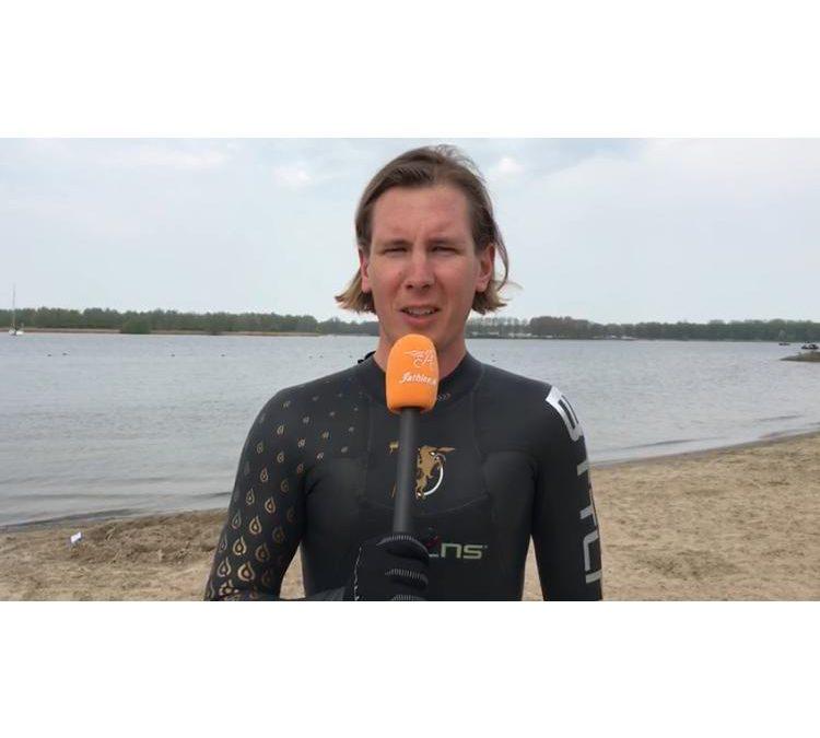Review BTTLNS neopreen zwemaccessoires: Swim Gloves, Swim Socks en Swim Cap