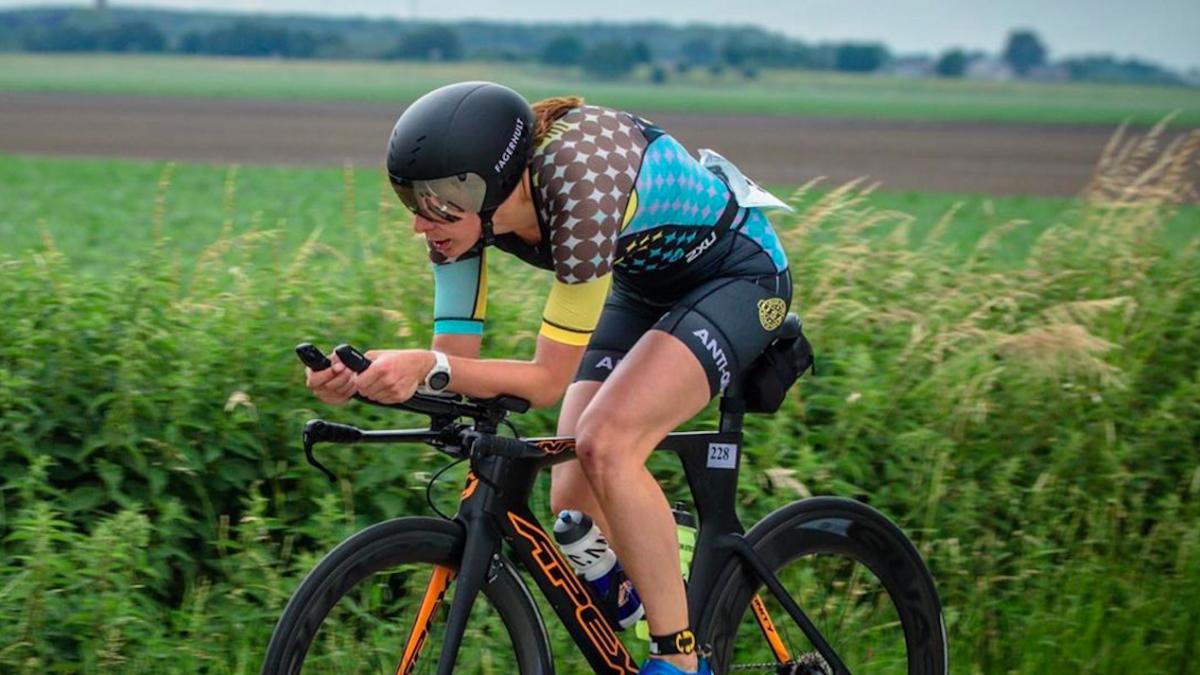 Ilona Eversdijk ijzersterk in 111 Bilzen Lockdown Triathlon Challenge