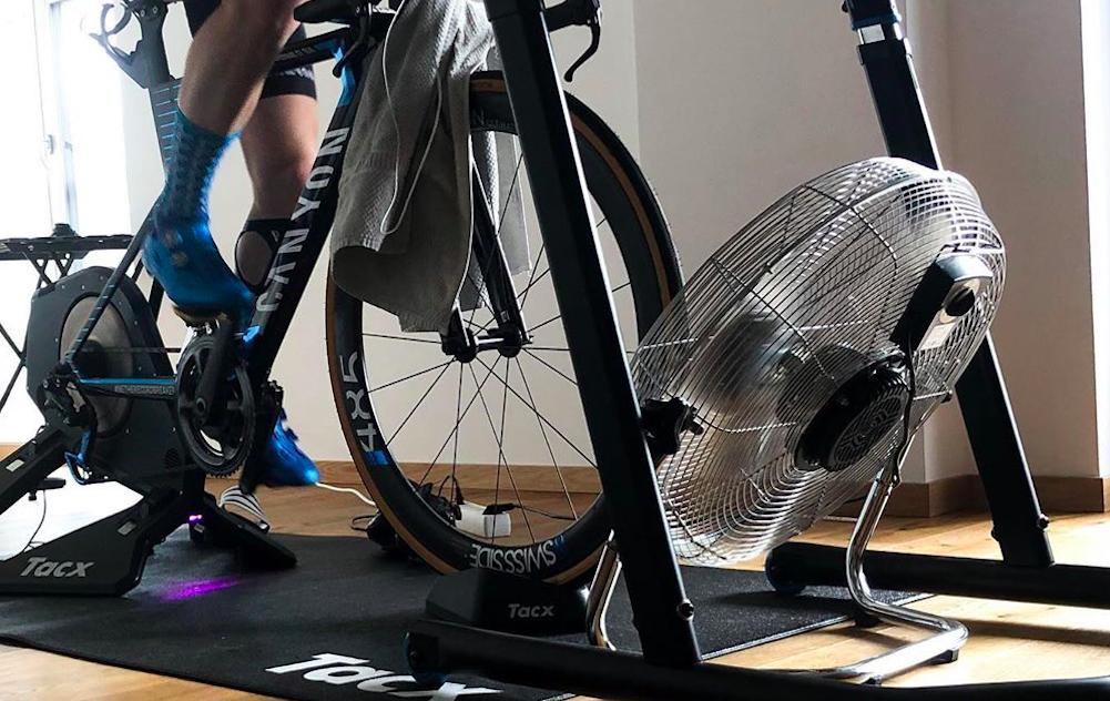 Indoor fietsen hitteplan: je prestatie optimaliseren en oververhitting voorkomen