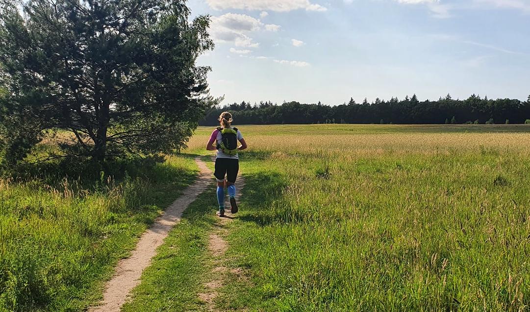 Irene Kinnegim loopt 161,1 kilometer lange UPNL in recordtijd: 'Ik was wel écht moe'