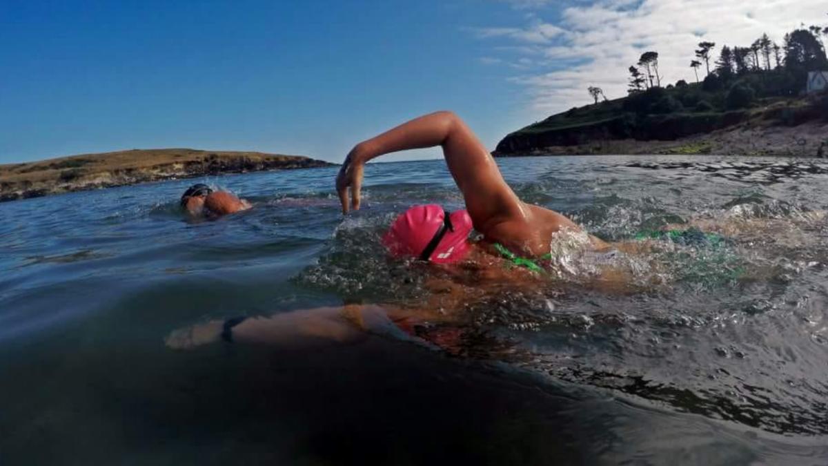 Kyra Wijnker wil in september Waddeneilanden rond zwemmen: 'Het is nog nooit gedaan'