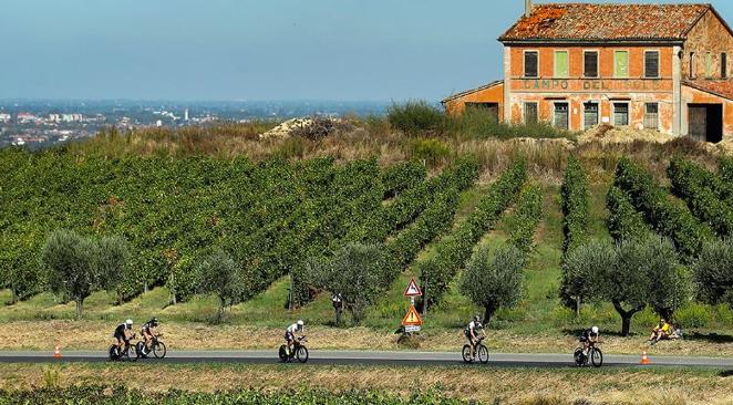 Ironman stelt Emilia-Romagna met week uit, kritiek neemt toe