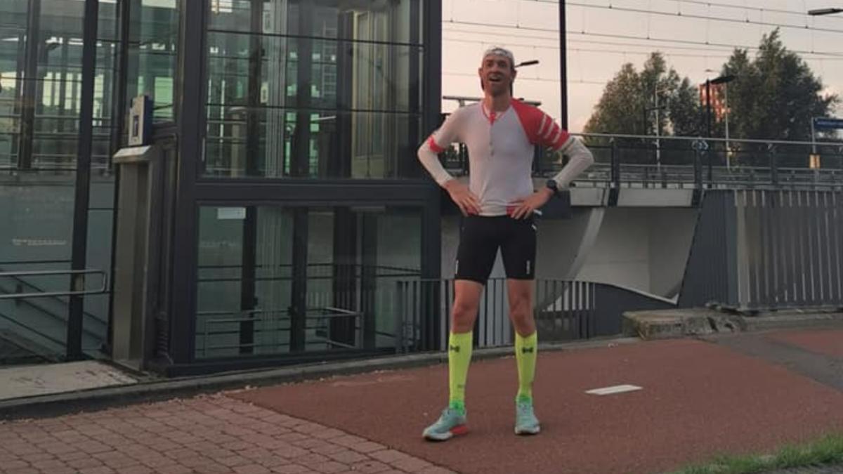 Michel Besseling wint Extreme Triathlon en scherpt parcoursrecord aan