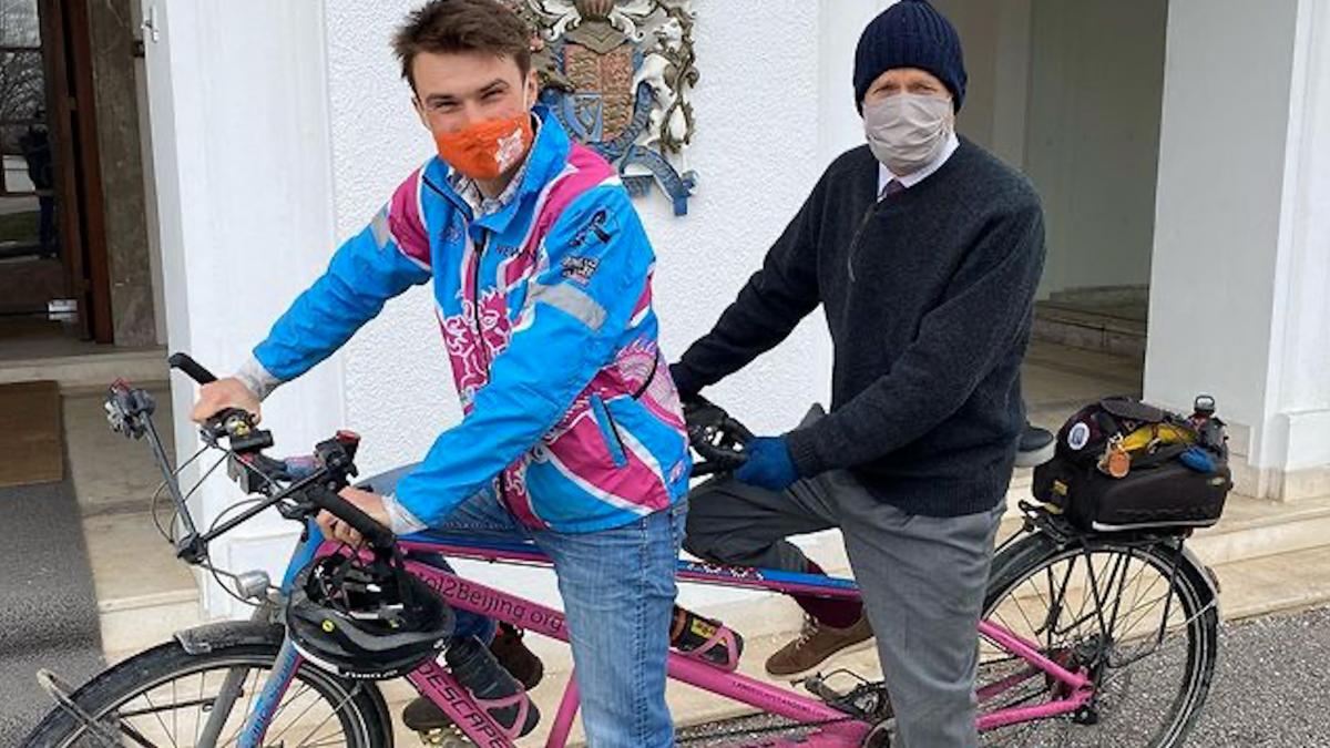 Kanker weerhoudt Luke Grenfell-Shaw niet van fietstocht Bristol tot Beijing
