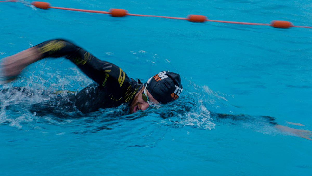 Poll resultaten: is het oneerlijk dat sommige atleten wel kunnen zwemmen en anderen niet?