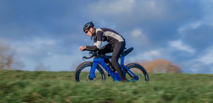 Review Canyon Speedmax CFR Disc eTap: 'high-end afgemonteerd, fietsen als een koning'