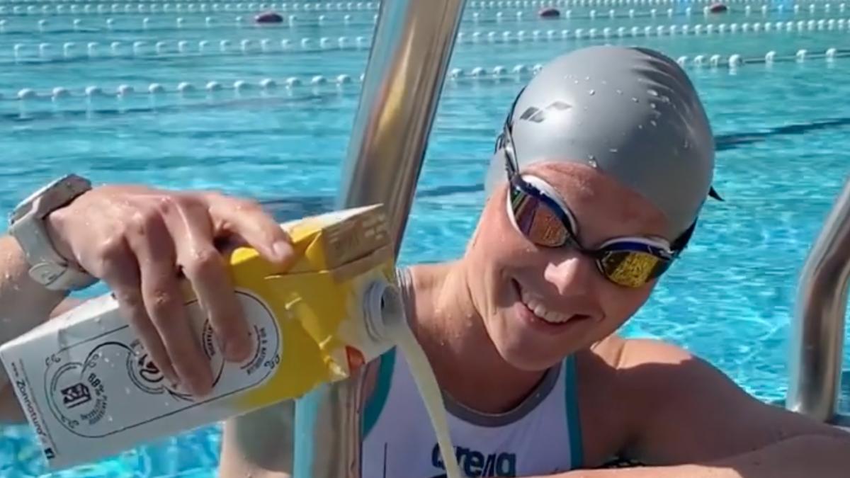 Triatlete Suzanne Brummel maakt indruk met 'glas haverdrank challenge'