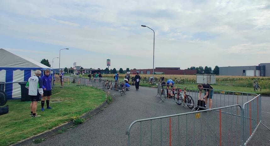 Atleten gaan los tijdens Teamcompetities races in Klazienaveen
