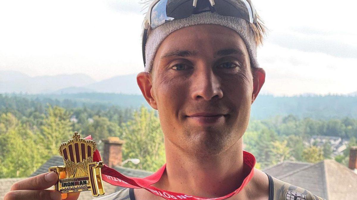 Michiel de Wilde beleeft zware race tijdens IM Lake Placid: 'Ik kon mijn voeding niet binnenhouden'