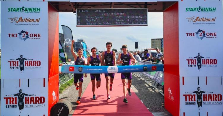 Almeerse dames TVA pakken thuiszege Eredivisiewedstrijd Duin Triathlon, winst voor mannen ZSC Oceanus