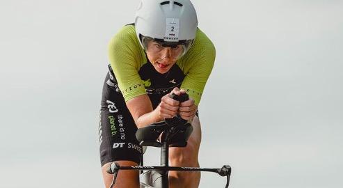 Imogen Simmonds schrijft mooie winst op palmares bij: Ironman 70.3 Aix-en-Provence