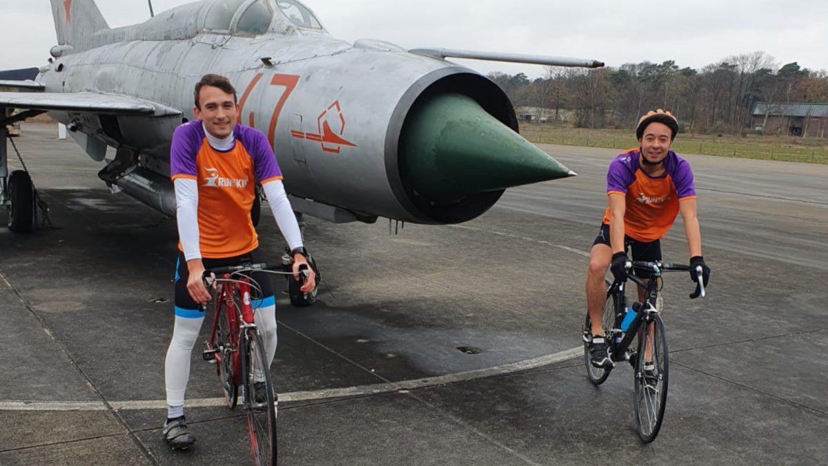 Vrienden De Vries en Naumann racen IM 70.3 Westfriesland voor KiKa Extreme: 'Leuk om samen te trainen'