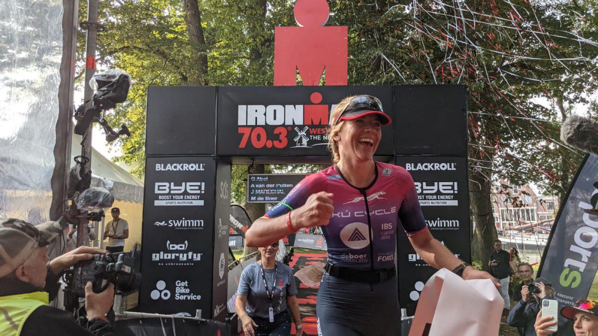 Marlene de Boer en Ruben Geys leggen beslag op goud Ironman 70.3 Westfriesland [VIDEO]