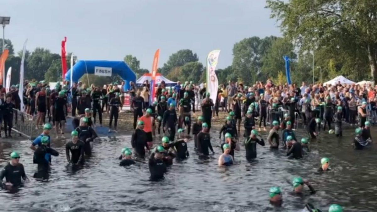 Nick van Ingen en Melissa de Bruin zegevieren bij Triathlon Alphen